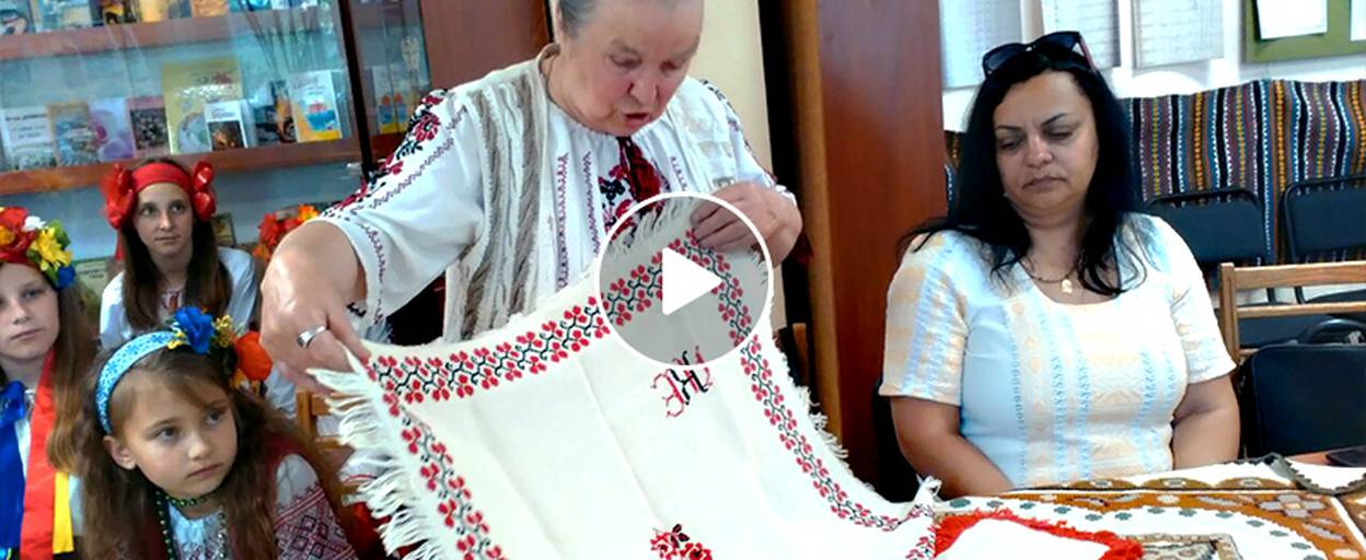 У бібліотеці Борисполя відзначили одразу три свята – День матері, сім'ї та вишиванки. Відео