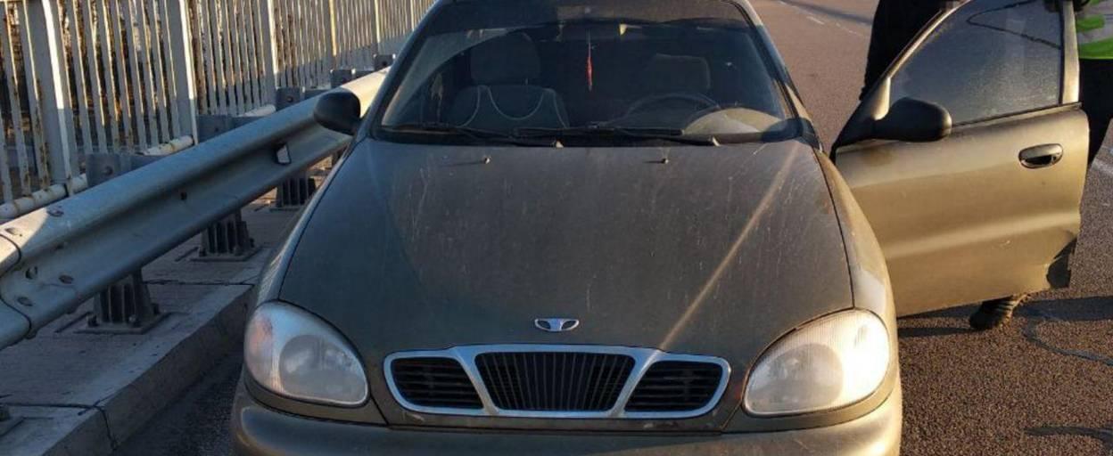 Два шприци та пігулки «Метадон» виявили патрульні Борисполя у водія легковика. Фото