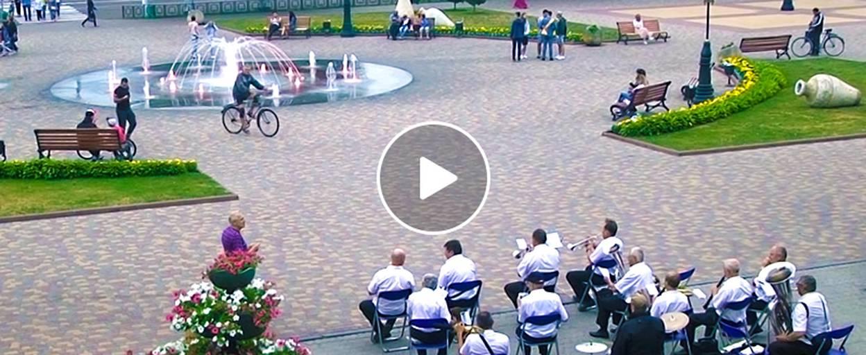 День Конституції України: історія створення основного закону держави та відзначення свята у Борисполі. Відео