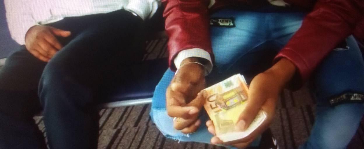 Хабар у розмірі понад 3 тисячі євро іноземці пропонували прикордонникам «Борисполя». Фото