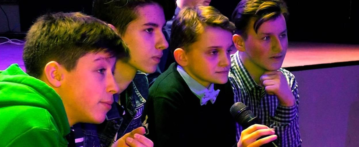 Бал для юних лідерів влаштували школярі Борисполя. Відео