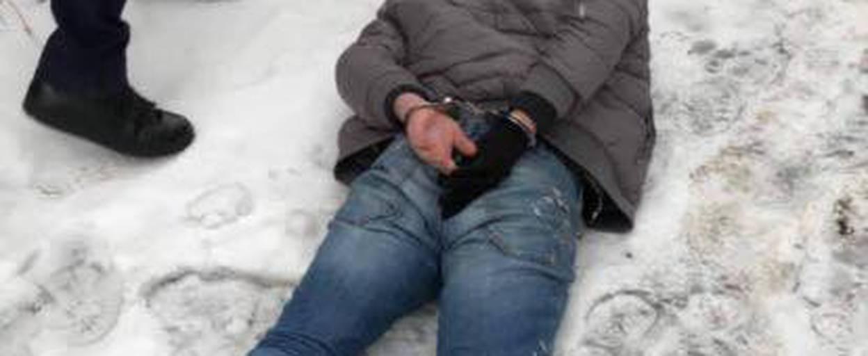 На Бориспільщині небайдужі люди на гарячому затримали іноземця-грабіжника. Фото