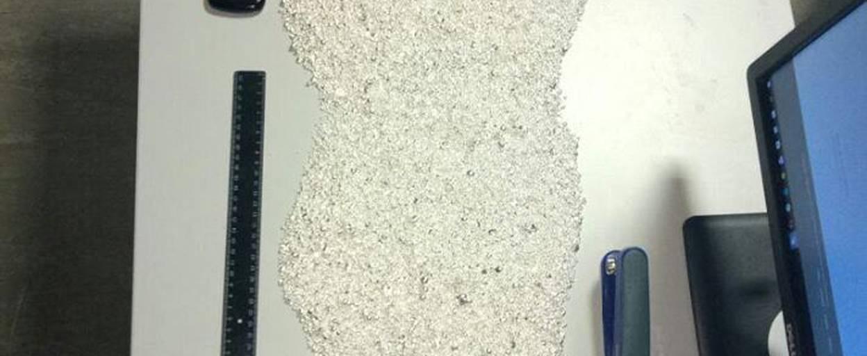 20 кілограмів срібла в гранулах вилучили митники у пункті пропуску «Бориспіль». Фото
