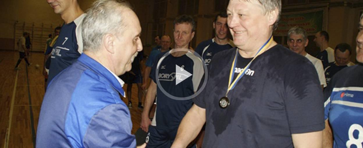 У чемпіонаті серед волейболістів-ветеранів Борисполя змагалися чотири команди