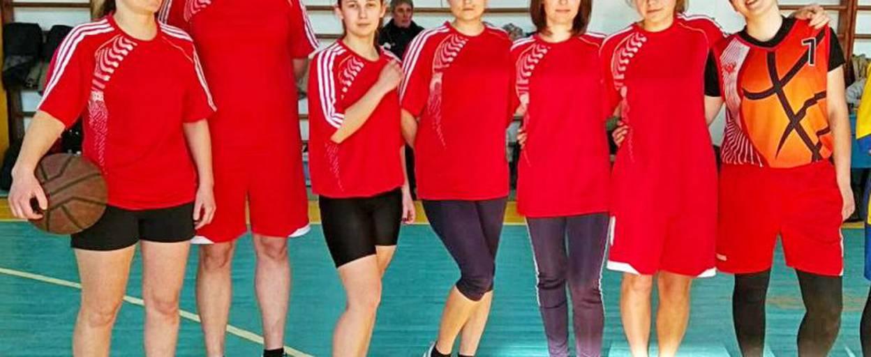 Жіноча збірна Бориспільщини виборола срібло на обласних змаганнях з баскетболу. Фото