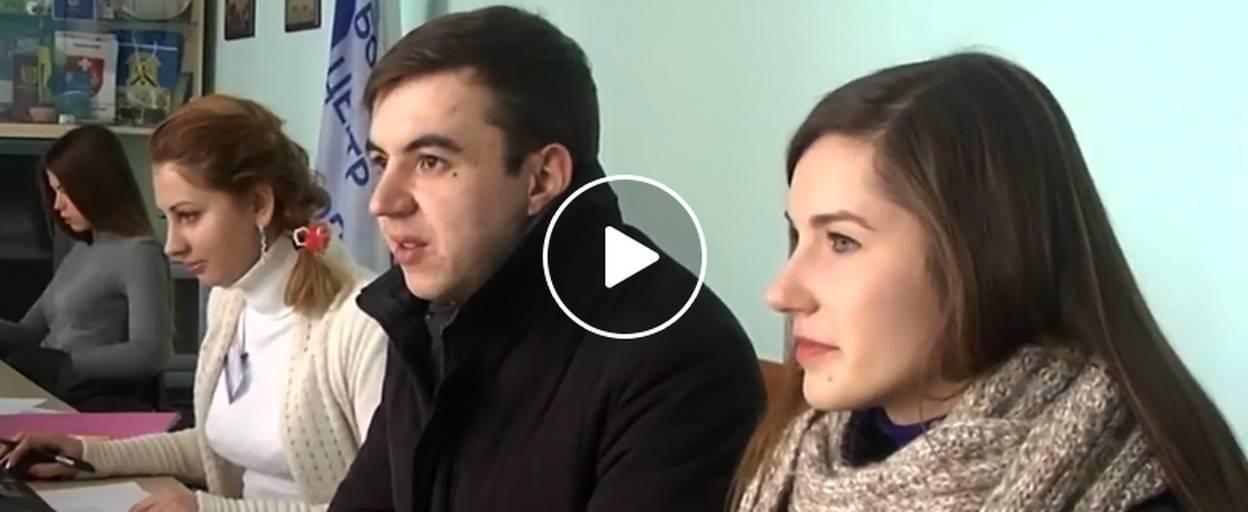 Молоде подружжя лікарів просить владу Борисполя допомогти із житлом. Відео