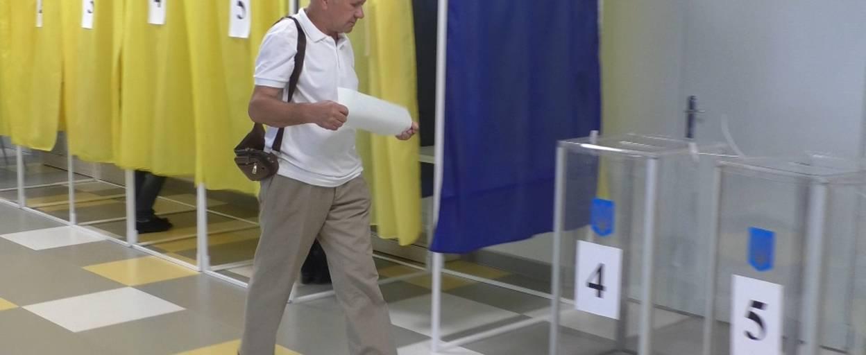 Процес позачергових парламентських виборів у Борисполі стартував вчасно і без порушень. Відео