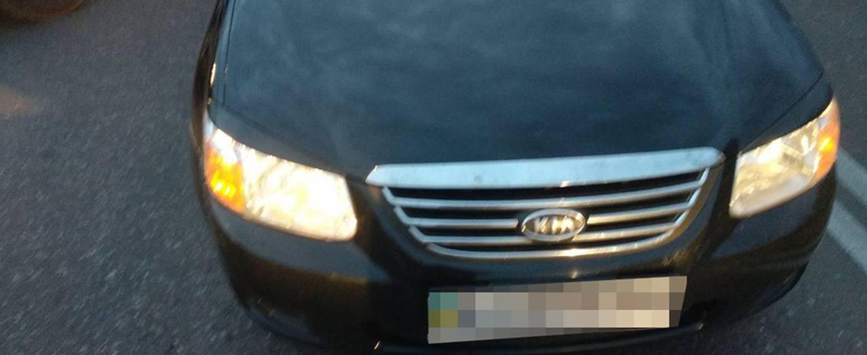 У Борисполі пішохід знехтував ПДР і потрапив під колеса автівки – чоловіка госпіталізували