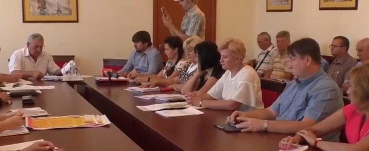 Відключення електроенергії, борги за газ та пожежа на Старокиївській: основні новини 9 вересня