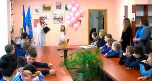 Виставка 9-річної художниці відкрилася у центральній бібліотеці Борисполя. Відео
