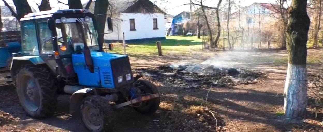 Бориспіль у диму: поліція попереджає про адміністративну відповідальність за паління листя. Відео