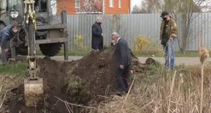 Фекалії у водоймі: в Борисполі один із власників приватного будинку скидав нечистоти у канал