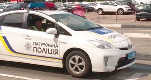 """Водій автобуса в аеропорту """"Бориспіль"""" намагався дати патрульним хабар"""