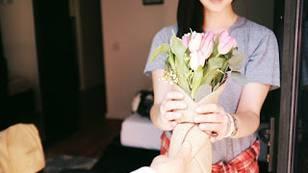 Что подарить девушке на первое свидание