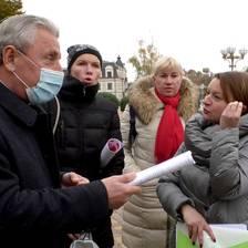 У Борисполі батьки вимагали припинити дистанційне навчання