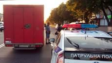 Поліцейські Борисполя надали допомогу потерпілому у ДТП. Фото