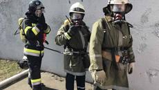 У Борисполі рятувальники провели практичне заняття у димокамері. Фото