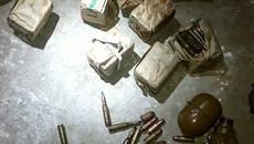 Бойові гранати, набої та номерні знаки виявили патрульні в одному з підвалів Борисполя. Фото