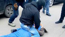У Борисполі на хабарі у 30 тисяч гривень затримали заступника начальника слідчого відділу поліції. Фото