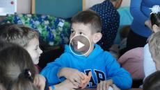 «Грай-читай»: у філії бібліотеки відкрили дитячий розважальний куточок. Відео