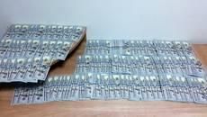 Партію доларів США в еквіваленті на суму більше 3,5 млн грн затримали у «Борисполі». Фото