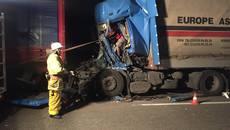 На об'їздній дорозі поблизу Борисполя зіткнулися дві вантажівки. Фото