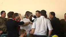 Бійка депутатів спричинила передчасне завершення сесії у Борисполі. Відео