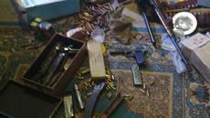 Значний арсенал зброї та набої виявили патрульні у будинку бориспільця. Фото
