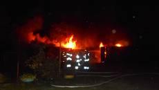 Нічна пожежа у Борисполі: у «Соцмістечку» горіли гаражі та автівка. Фото