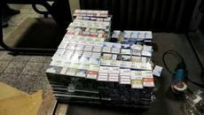 Контрабанда цигарок: митники виявили понад 27 тисяч пачок, прихованих у металевих  дверях. Фото