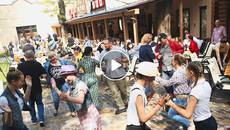 Екзотичні смаколики, надзвичайна музика та благодійність – фестиваль «Музичний компот» продовжується. Відео