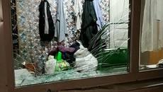 Жінка не впоралася з керуванням і в'їхала на подвір'я приватного будинку по вул. Шевченка. Фото