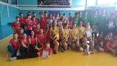 Команда дівчат із Борисполя – чемпіони Київської області з волейболу. Фото