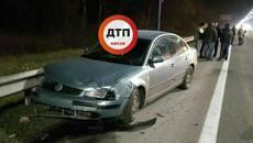 Три авто зіткнулися на Бориспільському шосе: уламки розкидало на десятки метрів. Є постраждала. Фото