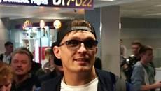 Повернення чемпіона: Усику влаштували теплий прийом у «Борисполі». Фото