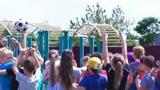 У Борисполі відкрились пришкільні табори: діти відвідують майстер-класи, екскурсії та басейн. Відео