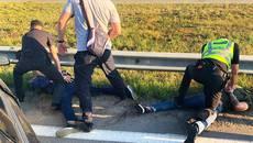 Зв'язали господарів будинку, викрали коштовності та «Лексус»: групу іноземців затримали правоохоронці Київщини. Фото