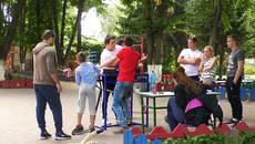 Гирі, дартс та армреслінг: у День молоді парк Борисполя перетворився на спортмайданчик. Відео