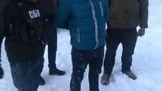 Столична прокуратура спільно з СБУ затримали на хабарі бориспільського правоохоронця. Фото